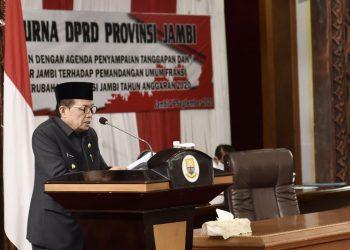 Gubernur Jambi Saat Menyampaikan Penjelasan Atas Pandangan Dewan Terhadap APBD-P 2020 ( Foto : Humas Pemprov Jambi )