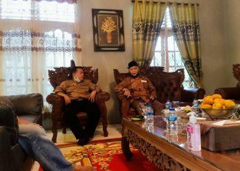 Cagub Al Haris bersama Politisi senior Partai Golkar Jambi, Azis Yusuf.