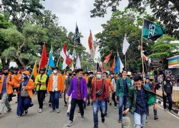 Massa aksi mahasiswa dari berbagai kampus di Provinsi Jambi.