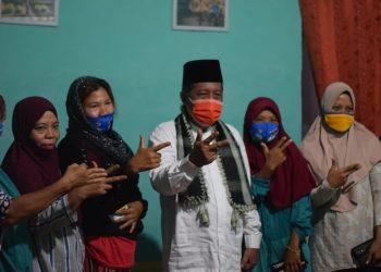 Cawagub Abdullah Sani bersama masyarakat Pemayung.